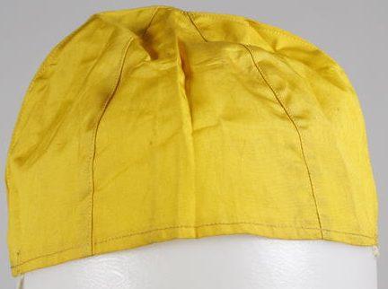 Желтая шелковая кепка выживания - для надевания, если пилота сбили над морем.