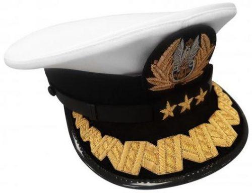 Фуражка старшего офицера ВМС Польши британского производства.
