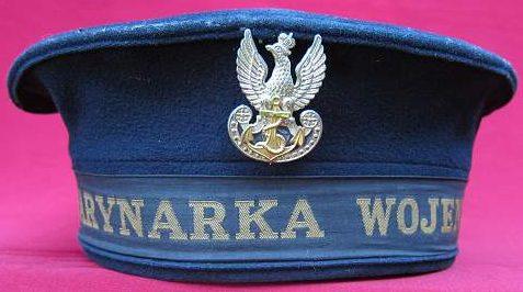 Синяя бескозырка матросов ВМС Польши.