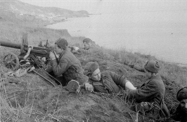 Перевязка раненных. Южный фронт, 1942 г.
