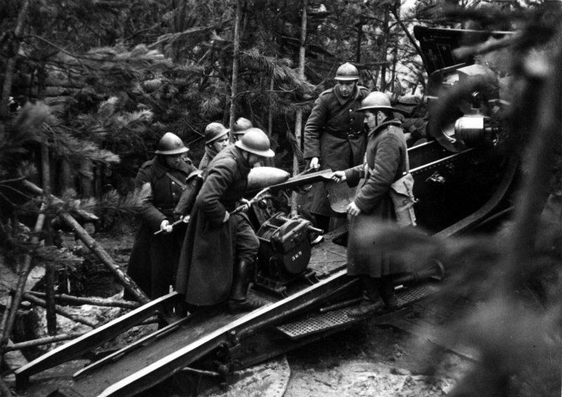 Артиллерийская позиция бельгийского тяжелого орудия. Май 1940 г.