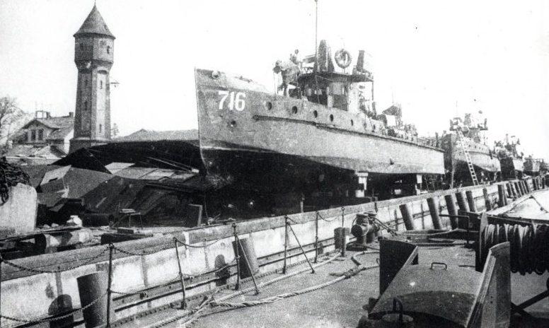 Советские катера в Пиллау. Апрель 1945 г.