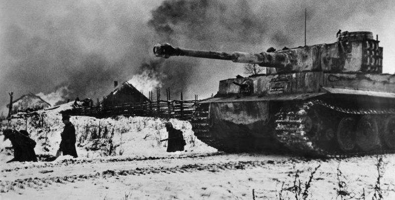 Немецкие танки «Тигры» под Нарвой. Февраль 1944 г.