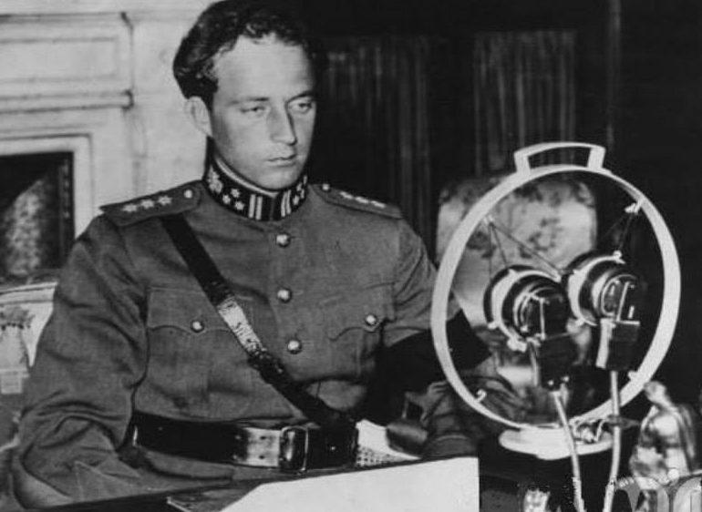 Король Бельгии Леопольд III по радио объявляет о капитуляции Бельгии. Май 1940 г.