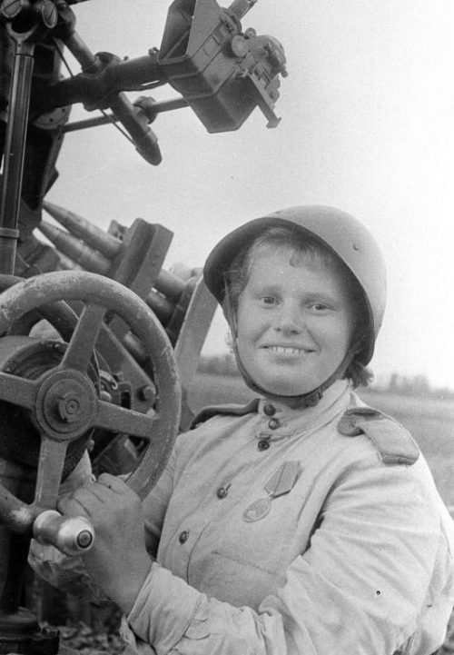 Тамара — зенитчица. Западный фронт. 1943 г.