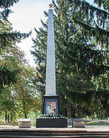с. Заячковка Христиновского р-на. Памятник воинам-односельчанам, погибшим в годы войны.
