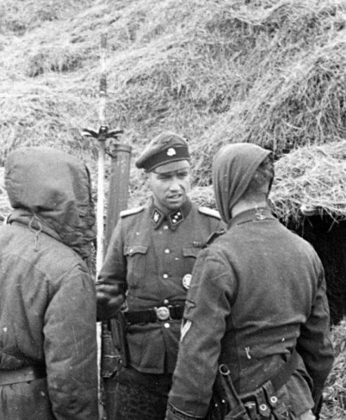 Солдаты 27-й добровольческой пехотной дивизии СС «Лангемарк», сформированной из бельгийцев. Апрель 1944 г.
