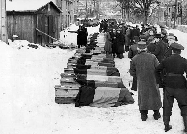 Похороны 34-х казненных бойцов Сопротивления. Январь 1944 г.