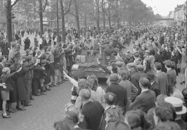 1-я бельгийская пехотная бригада входит в освобождённый Брюссель. Сентябрь 1944 г.