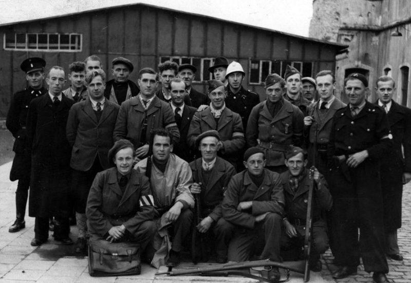 Члены организации сопротивления «Белая бригада» в Дёрне. Октябрь 1944 г.