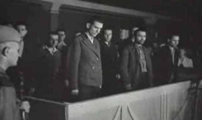 Подсудимые во время оглашения приговора.