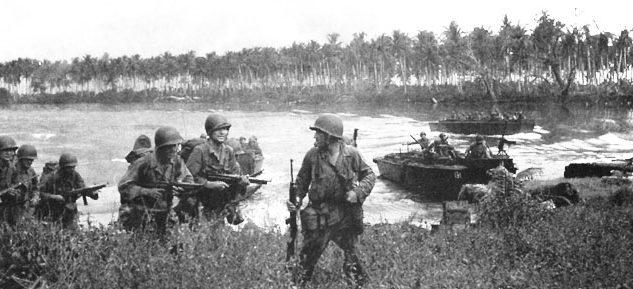 Американские солдаты высаживается на острове Лос-Негрос.