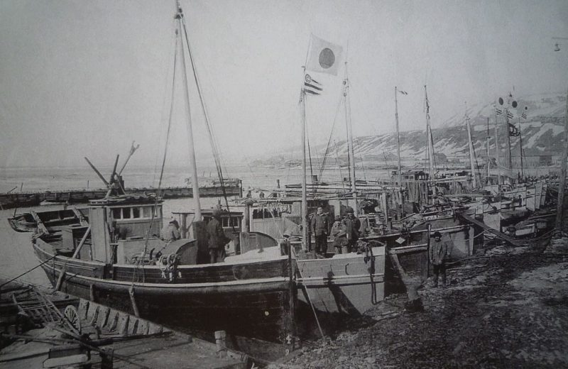 Порт Маока.