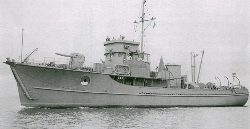 Вспомогательный тральщик USS YMS-143, ставший Т-522 в ВМФ СССР. 17 мая 1945 г.