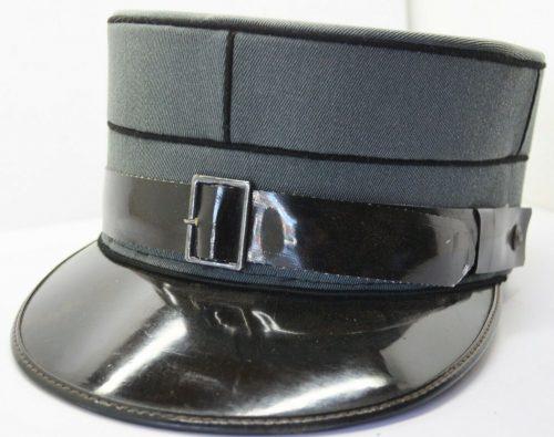Кепи офицера-пехотинца.