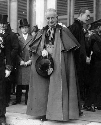 Кардинал Луиджи Мальоне.