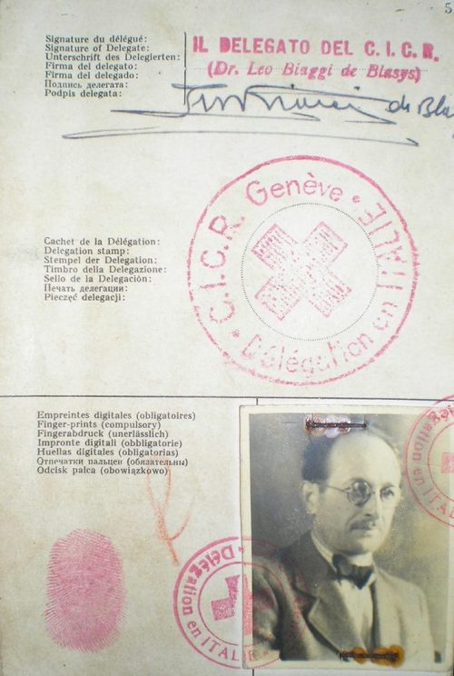 Документ на имя Рикардо Клемента, который Адольф Эйхманн использовал для въезда в Аргентину в 1950 году.