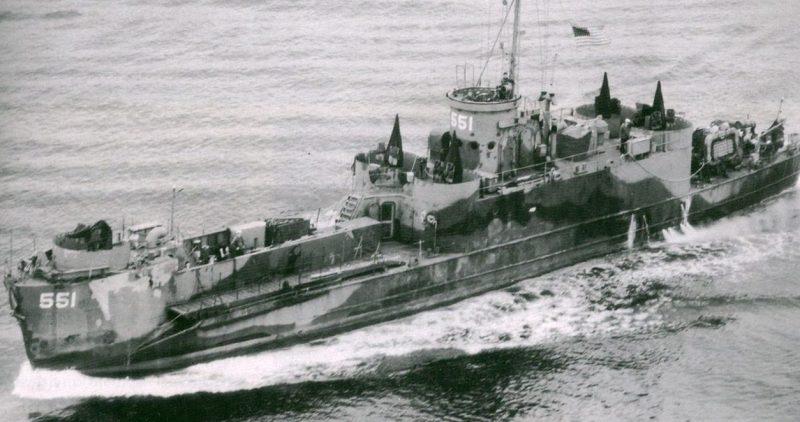 Большой пехотный десантный корабль USS LCI (L) -551 преданный СССР в Холодной бухте. 29 июля 1945 г.