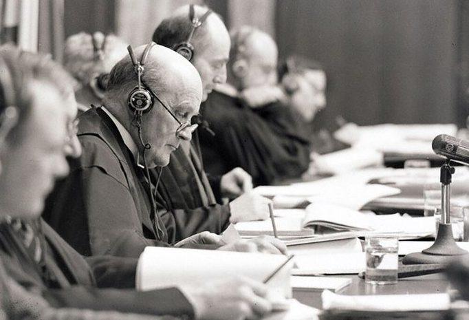 Председатель Международного военного трибунала, судья Апелляционного суда Англии и Уэльса Джеффри Лоуренс. 1945 г.