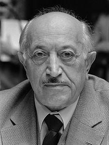 Симон Визенталь в 1982 году.