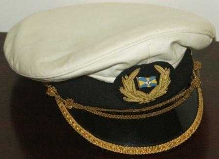 Фуражки офицеров торгового флота.