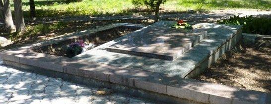 с. Осипенко Бердянского р-на. Братская могила воинов, погибших при освобождении села.