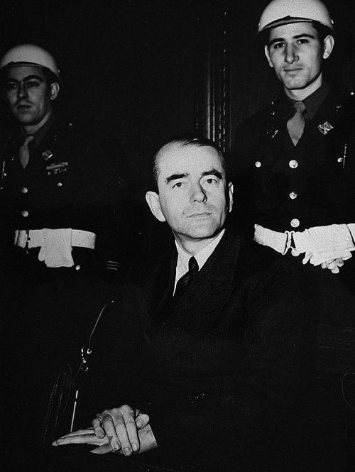 Альберт Шпеер на Нюрнбергском процессе. 1945 г.