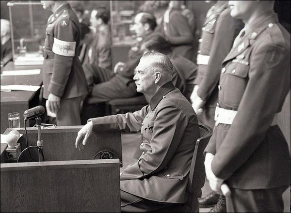 Допрос подсудимого В. Кейтеля на Нюрнбергском процессе. 1945 г.