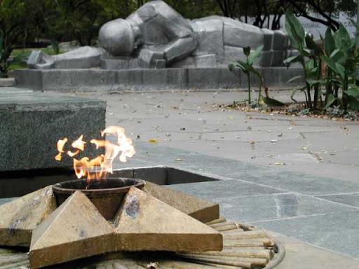 Скульптурная группа «Спящие воины».