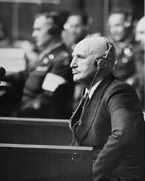 Ответчик Юлиус Штрайхер, главный редактор антисемитской газеты «Дер Штюрмер» на заседании суда. 1946 г
