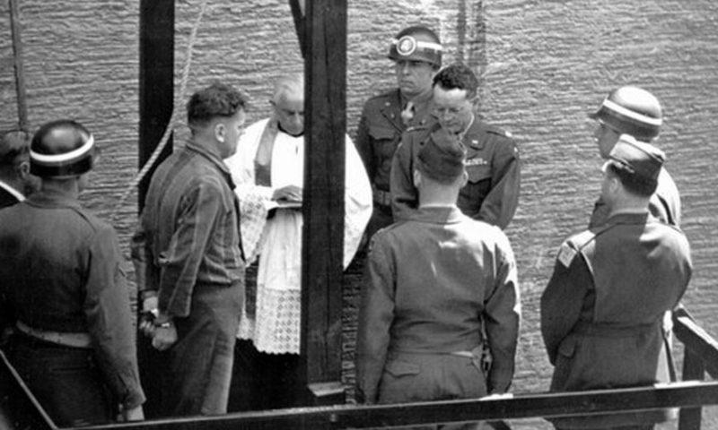 Исполнение приговора во дворе Нюрнбергской тюрьмы. 16 октября 1946 г.