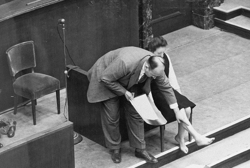 Шрамы Ядвиги Дзидо от нацистских экспериментов над людьми. 1947 г.