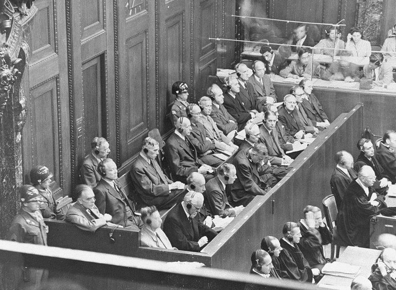 Подсудимые по делу «IG Farben» во время первого дня судебного заседания. Август 1947 г.