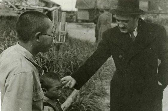 Микоян и Василевский на Сахалине. Август 1945 г.