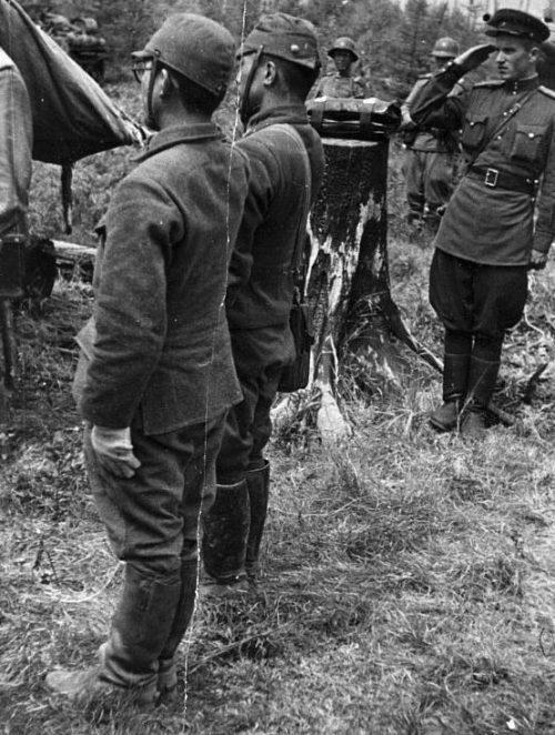 Японские парламентеры ведут переговоры о капитуляции. Август 1945 г.
