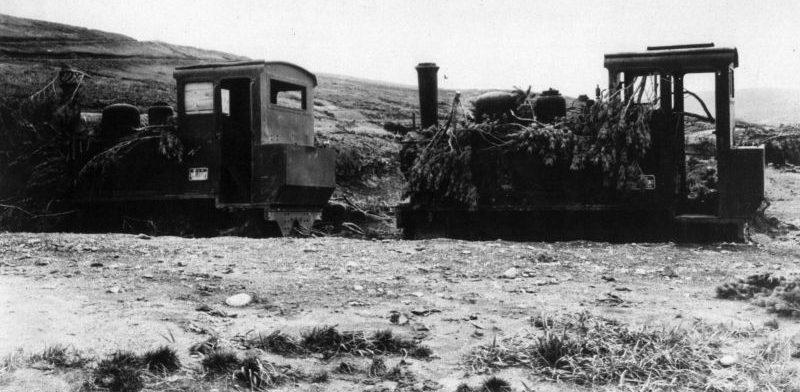 Захваченные японские узкоколейные паровозы, предназначенные для обслуживания аэродромной инфраструктуры на острове Шумшу. Август 1945 г.