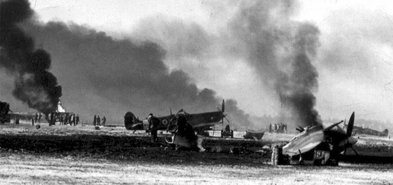 Последствия нападения на аэродром в Сен-Денис-Вестрем.