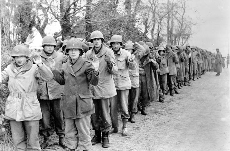 Пленные американские солдаты. 22 декабря 1944 г.