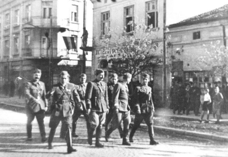 Югославские войска в Албании.