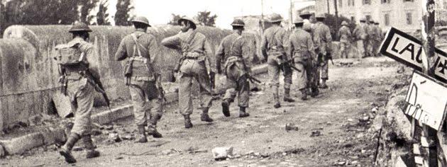 Войска 3-й Греческой горнострелковой бригады на окраине Римини.