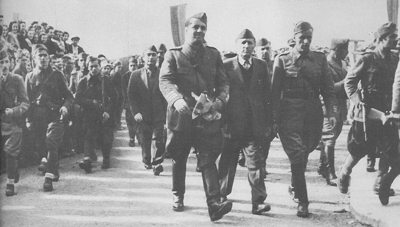 Албанские партизаны в Тиране.