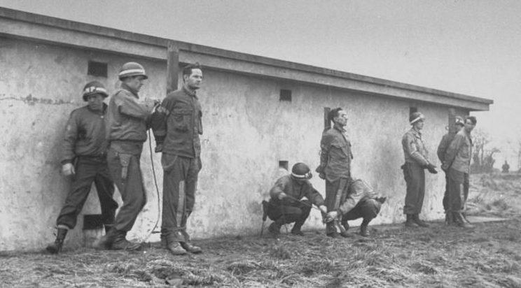 Расстрел немецких диверсантов.