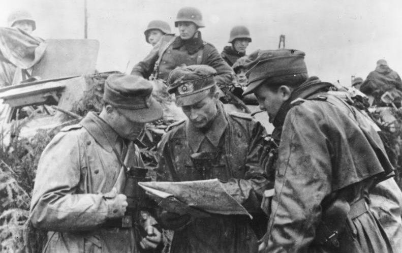 Наступление в Арденнах, в районе Люксембурга. Декабрь 1944г.