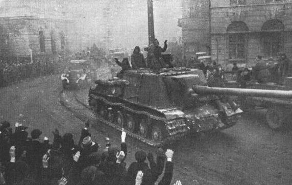 Красная Армия входит в Лодзь.