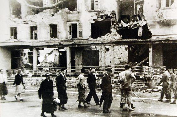Разрушения в первый день немецкого вторжения. Май 1940 г.