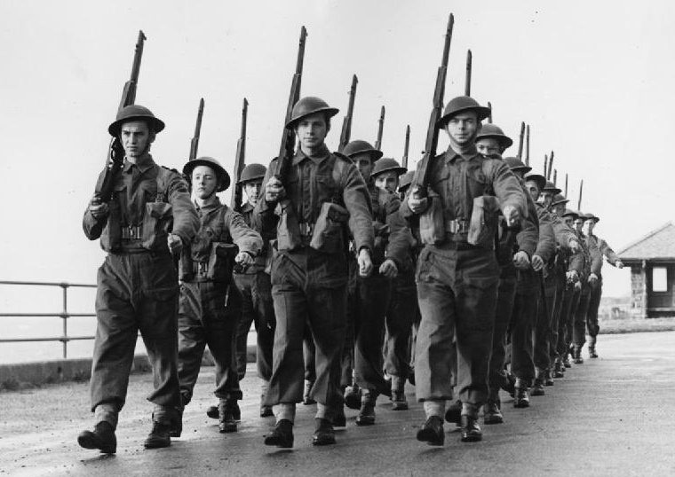 Солдаты из Люксембурга на обучении в Великобритании. 1943 г.