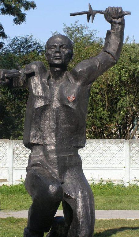 Скульптурная часть монумента.