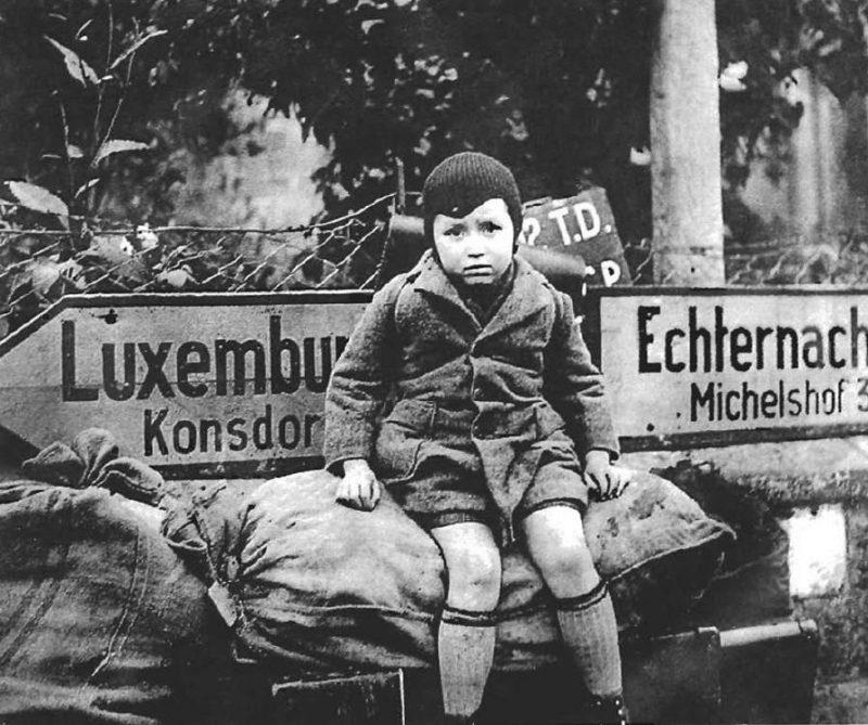 Беженцы из Северного Люксембурга. Декабрь 1944 г.