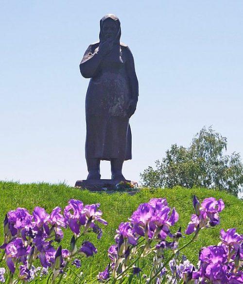 г. Ахтырка. Памятник на могиле советских воинов, погибших во время Великой Отечественной войны.
