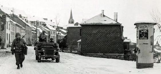 Солдаты 28-й американской кавалерийской дивизии в Вильце. Декабрь 1944 г.